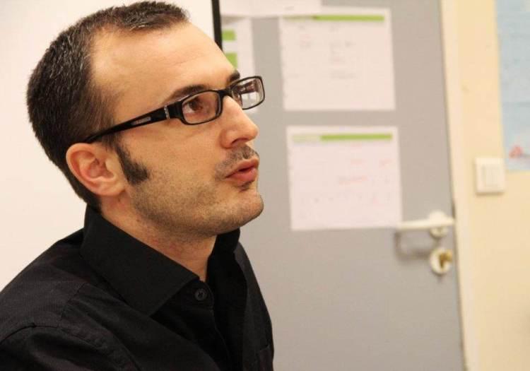 Nicolas Cori, dans les locaux de l'école de journalisme de l'IFP. Photo IFP : Sara Taleb